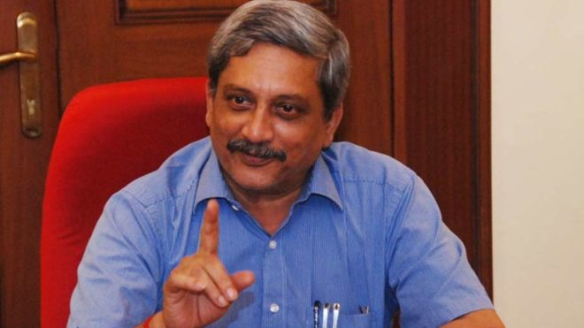 Defence Minister Parrikar steps down to be Goa CM