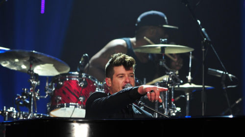 Robin Thicke expecting first child with girlfriend