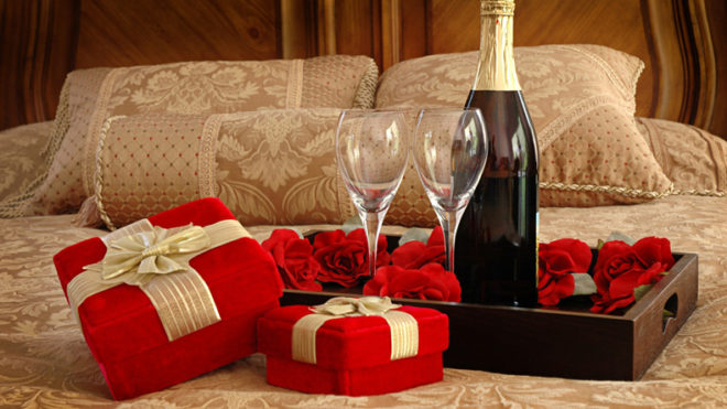 Know your girl's choice before buying Valentine's Day gifts