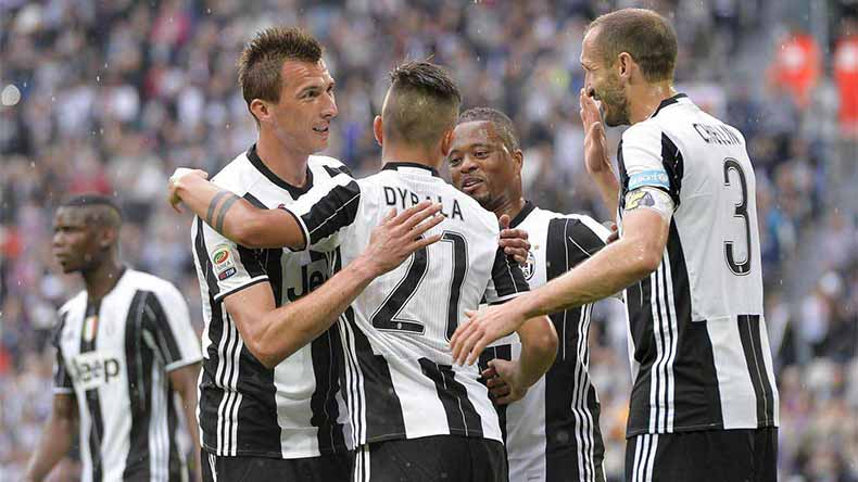Controversial penalty lifts Juve