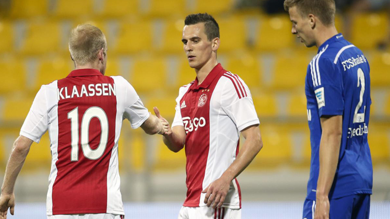 Ajax-knock-out-Schalke-in-UEFA-Europa-League