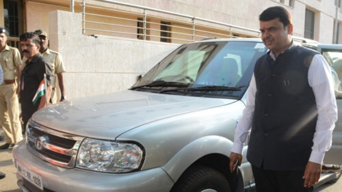 Centre banishes VIP red beacons, Congress says mere symbolism