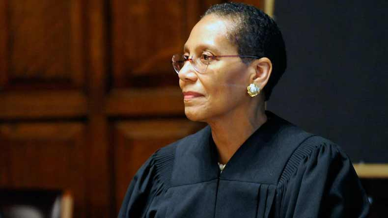 Footage-shows-New-York-judge-hours-before-death