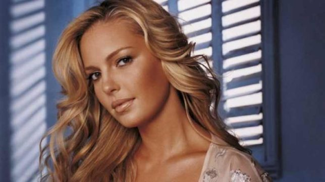Katherine Heigl finds breastfeeding 'awkward'