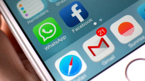 Now, ask Siri to read out your WhatsApp messages