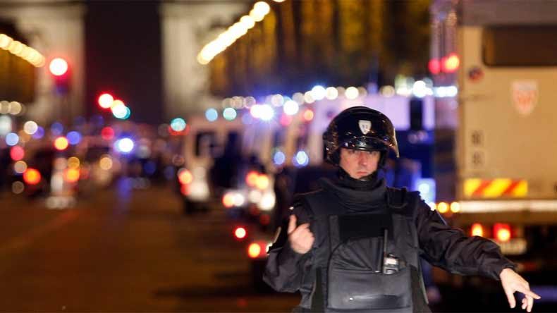 One policeman killed, another injured in Paris shooting