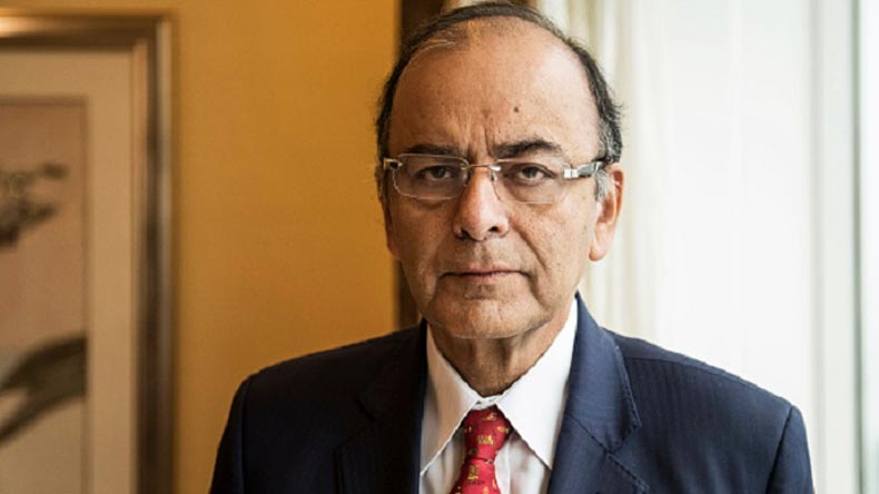 Defence Minister Arun Jaitley visits LoC in north Kashmir, praises soldiers