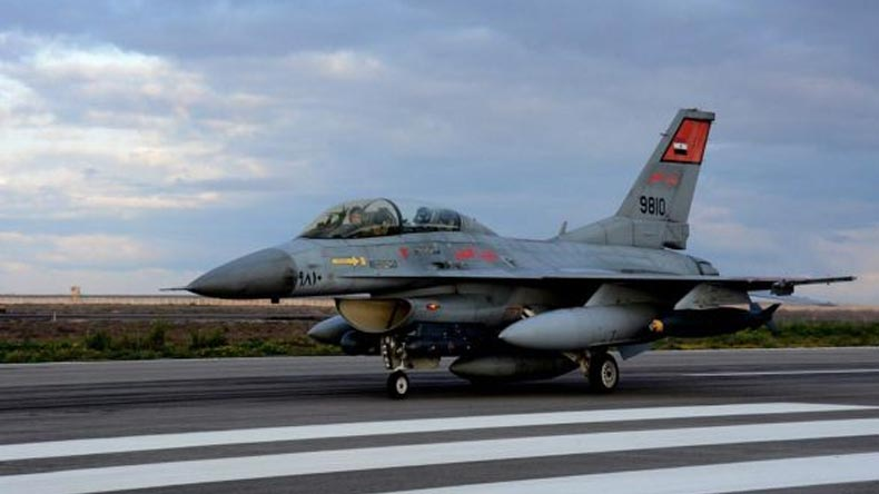 Egyptian jets carry out 6 strikes against terror camps in Libya
