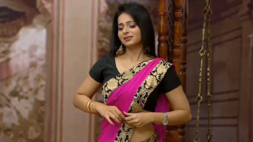 Who-is-Monica-CastelinoThe-adult-film-actress-who-may-become-a-permanent-member-of-The-Kapil-Sharma-Show