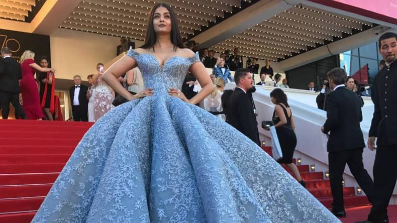 Aishwarya looks princess-like at Cannes red carpet