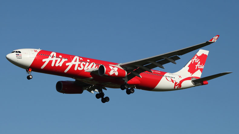 AirAsia flight suffers mid-air emergency after hitting birds