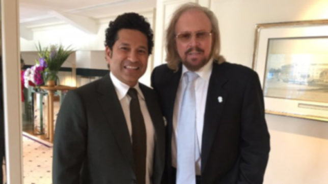 Sachin Tendulkar meets Bee Gees star Barry Gibb