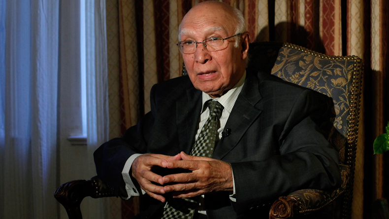 Pakistan wants to resolve all issues with India: Sartaj Aziz
