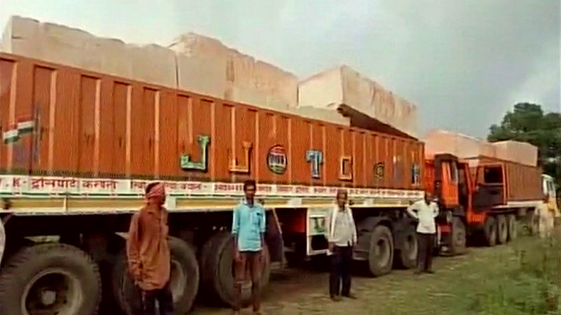 Trucks carrying stones for Ram Mandir arrive in Ayodhya, alarms no one in UP govt