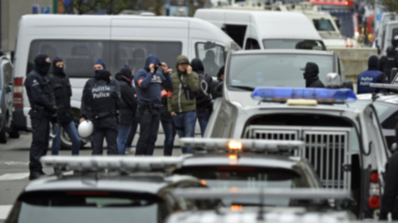 Brussels police open fire on car 'with explosives inside'