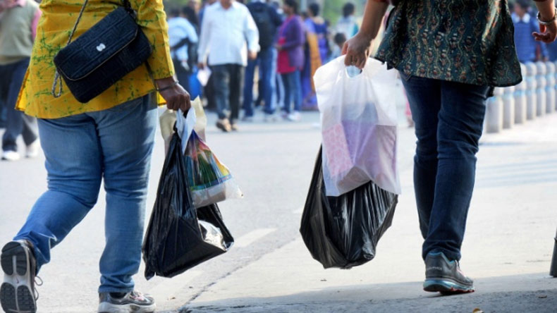 Pay Rs 5000 for possessing banned plastic bags in Delhi