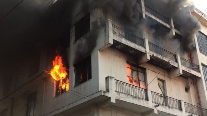 Massive fire at a godown in Kanpur's Acharya Nagar; fire tenders rushed to spot