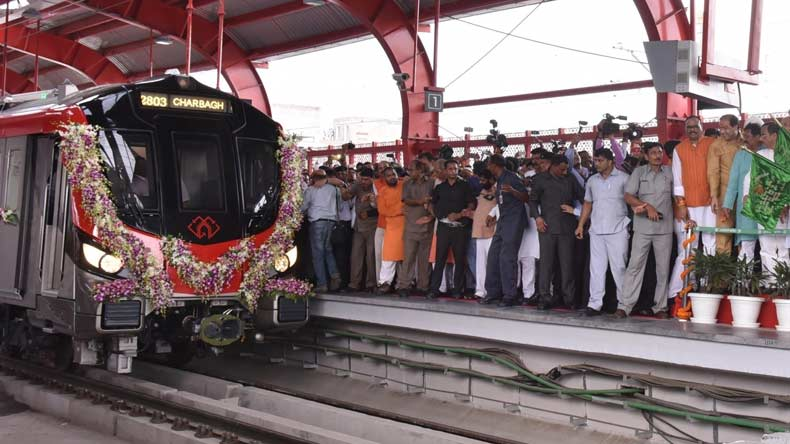 Lucknow Metro develops snag on Day 1