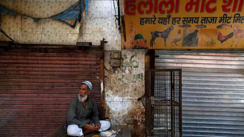 Shiv Sainiks force shut 500 meat shops in Gurgaon""
