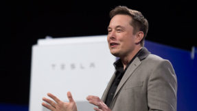 Tesla to unveil electric semi-truck in October