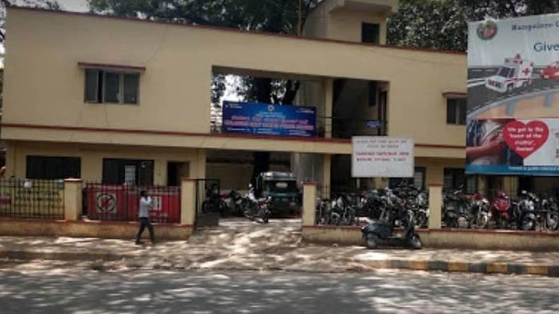 Bengaluru: Complaint filed against couple for PDA in car
