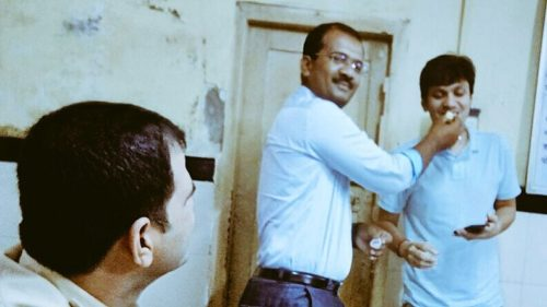 Mumbai Police surprise complainant, celebrate his birthday after lodging his FIR