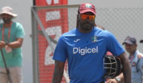 Gayle smashes T20 records in BPL final