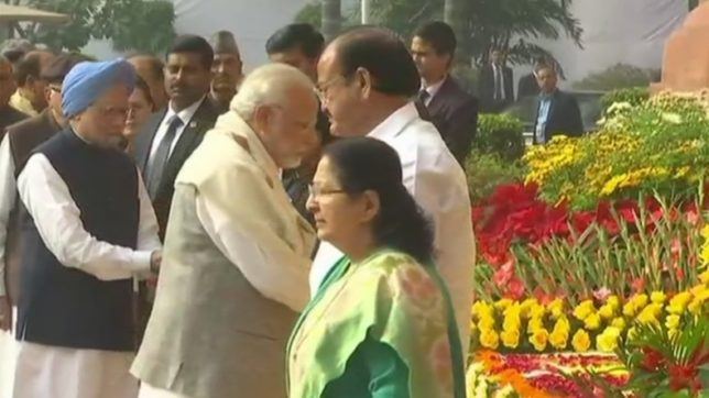 Leaders pay homage to Parliament attack victims; Manmohan greets Modi