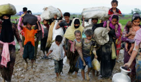 40 more Rohingya villages burnt in Myanmar, 655,000 minorities prepare to flee to Bangladesh