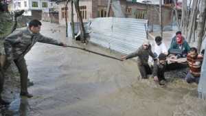 Baramulla, Jammu and Kashmir, flood threat, Kashmir Valley, MeT, weather forecast, heavy rains, Indian Army, relief teams, latest news, national news