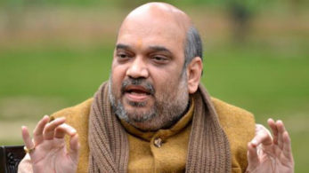 Amit Shah tried to trash the opposition charges that by dining at a Yadav worker's house on Sunday; he was picking on caste politics.