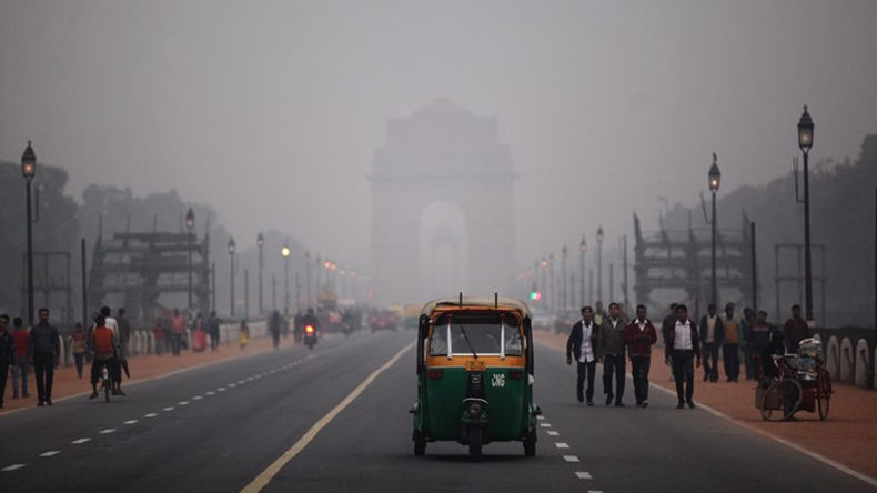 effects by air pollution on historical monuments like lotus temple