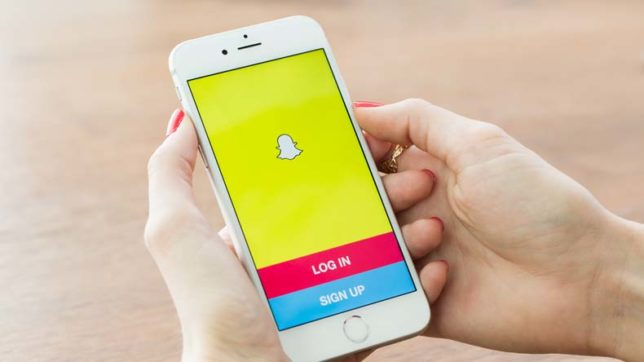Ratings of 'snapchat' drop to 'one star' on app store