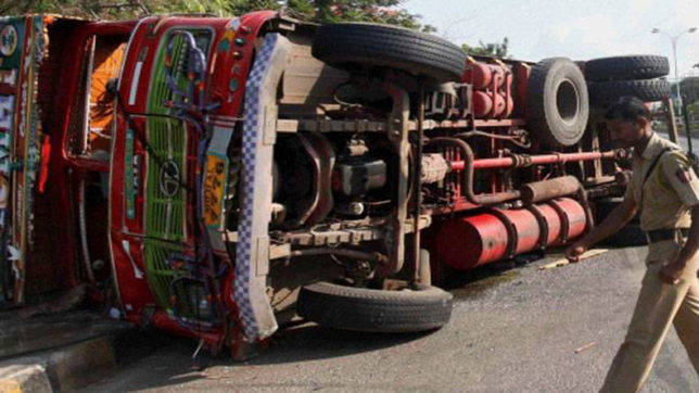 Andhra Pradesh: 20 killed as truck rams into shops in Chittoor district