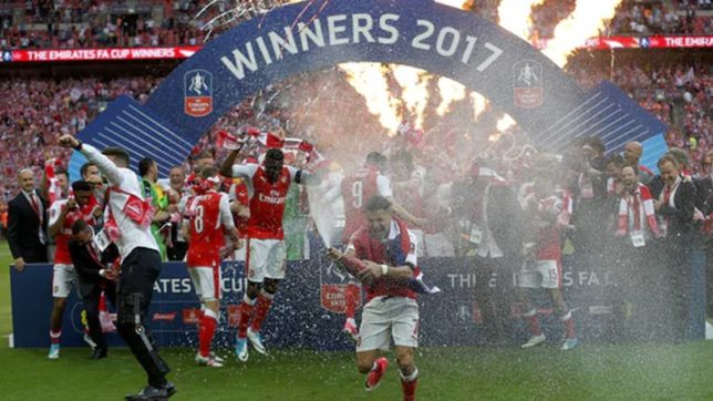 Arsenal beat Chelsea 2-1 to win record 13th FA Cup