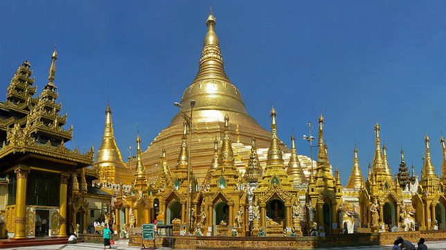 Myanmar's Shwedagon Pagoda attracts over 40,000 foreign visitors