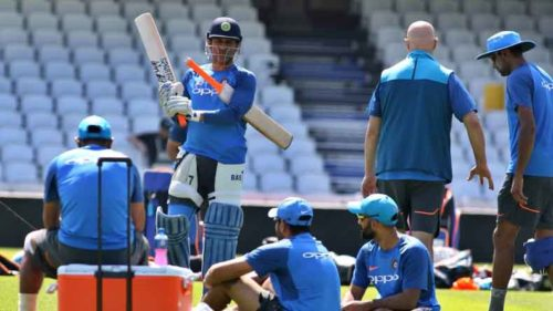 Indian-cricketer-MS-Dhoni-during-a-practice-session-2