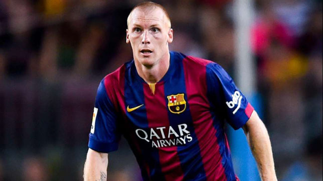 Barcelona confirm defender Jeremy Mathieu move to Sporting Lisbon