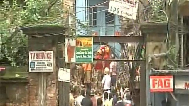 Kolkata: Building collapses in Bowbazaar area; many feared trapped
