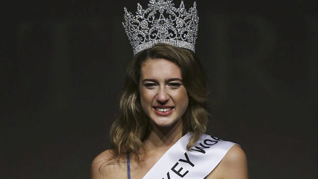 Miss Turkey stripped of her crown over coup tweet