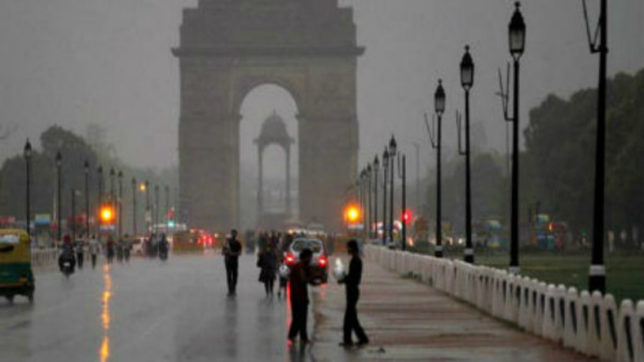 Rains bring down mercury in Delhi on Saturday, to continue on Sunday