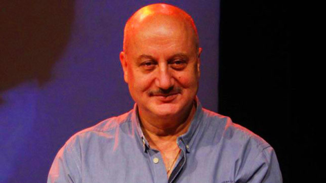 Anupam Kher replaces Gajendra Chauhan as new FTII chief
