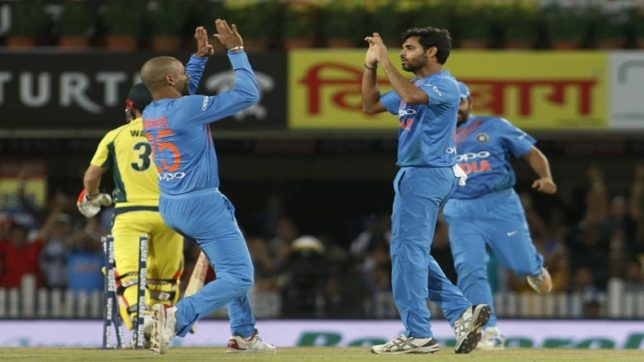 India vs Australia 1st T20: Rain halts play after Australia manages 118/8 in 18 overs