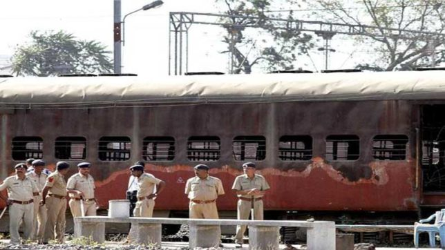Godhra train burning case: Gujarat HC commutes death penalty of 11 convicts into life imprisonment