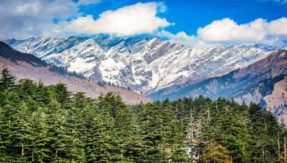 Tourists gear up for New Year in Himachal Pradesh