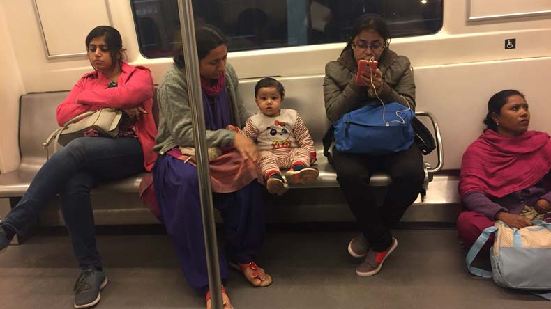 domestic help, nanny, nanny on metro floor, delhi mother, aiims doctor, twitter, viral story, delhi metro, metro, mother, National news, Regional news. the print journalist, india news