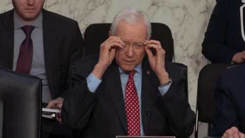 Viral ! This is how Twitter reacted when a US senator removed his unvisible glasses