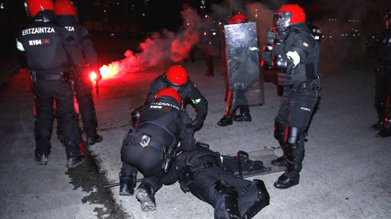 Europa League: Police officer dies in clash between fans of Athletic Bilbao and Spartak Moscow