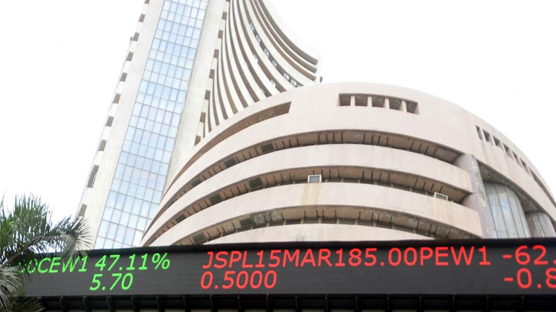 Budget 2018: Share markets see red after Arun Jaitley's speech; Sensex plunges over 300 points