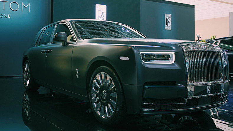 With A Galaxy Like Roof Rolls Royce Launches All New Phantom Check